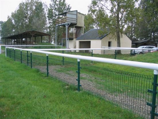 Redon - ligne droite devant les tribunes